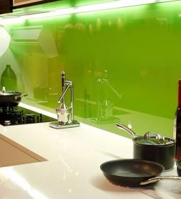 شیشه رنگی سبز
